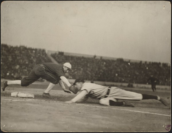 Cubs vs White Sox in the 1906 World Series